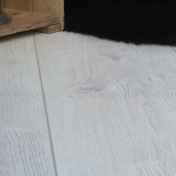 Vareprøve GD PRICEDROP laminatgulv 12mm longplank White Winter