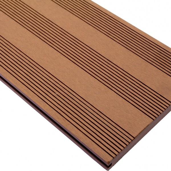 Vareprøve Terrassebord kompositt Wideplank massiv brun 22cm bredde
