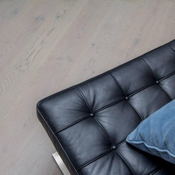 Vareprøve Parkett Eik Gaustatoppen børstet mattlakk